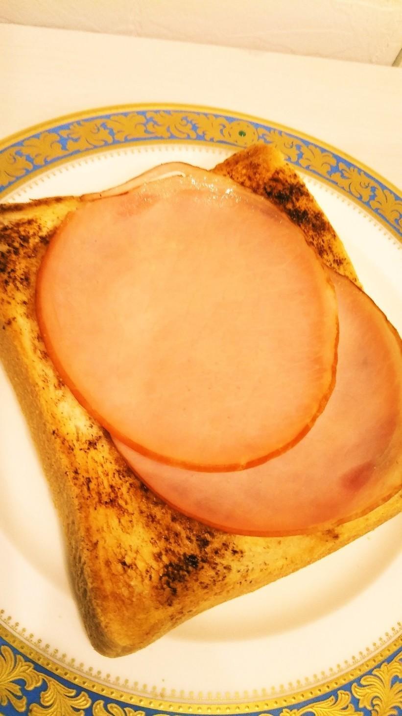 ハムトースト 焼きそば粉末ソース利用♫