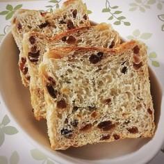 レーズンたっぷり食パン。