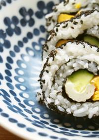 竹輪・胡瓜・黒ごまの裏巻き寿司♪