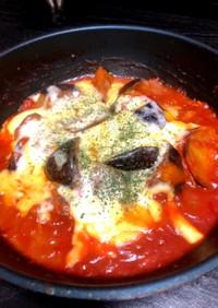 ナスとツナ缶のトマト煮込みチーズ乗せ