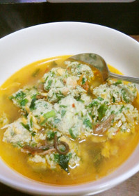 ふわふわきのこ餃子餡のユッケジャンスープ