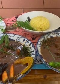 ビーツと牛スネ肉と野菜素揚げスープカレー