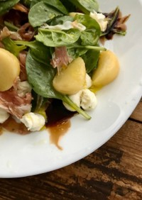 桃とほうれん草のサラダ*イタリアン風味