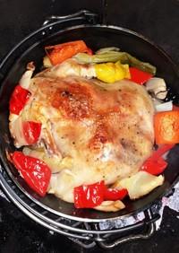 キャンプに!丸鶏のダッチオーブンと夏野菜
