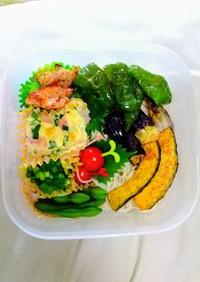 簡単!暑い日は野菜たっぷりそうめん弁当!