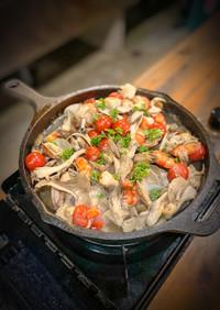 海鮮と舞茸、トマトのアクアパッツァ