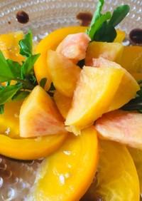 黄桃とトマト(黄色)ルッコラのサラダ