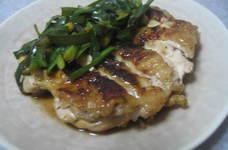鶏もも肉とにらの付け焼き