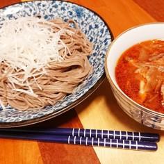 夏のピリ辛☆熱盛 豚バラ辣油つけ蕎麦