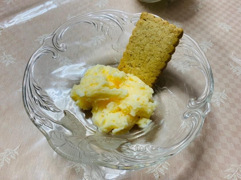 材料4つシンプル牛乳アイス