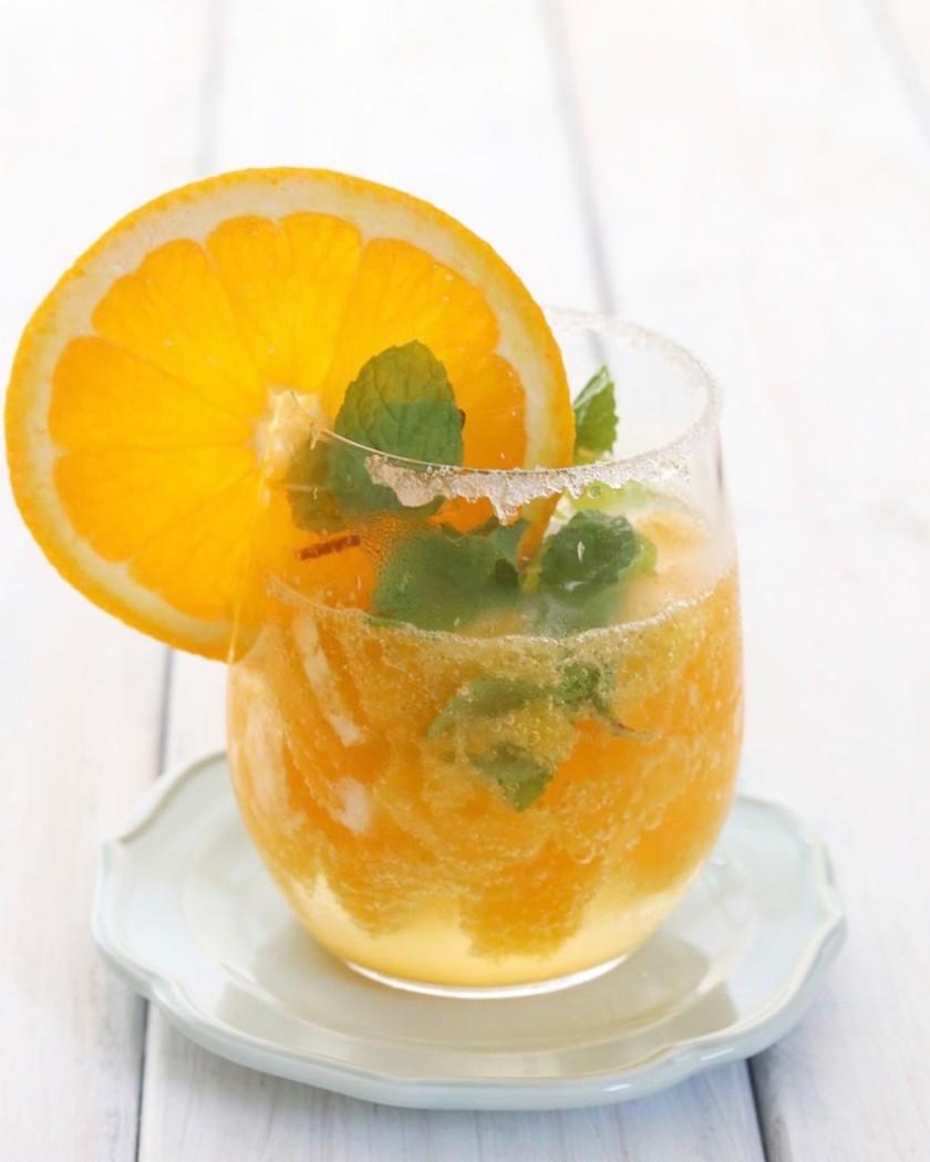 見た目も味もスッキリ爽やかなオレンジエイド