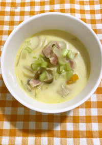 かぶとベーコンの豆乳スープ