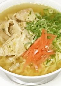 インスタント麺でなんちゃって沖縄そば