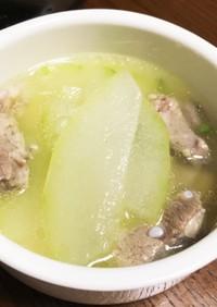 ベトナムの夏の定番、軟骨冬瓜スープ