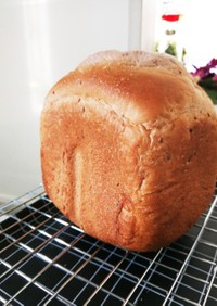 黒豆の煮汁で○食パン