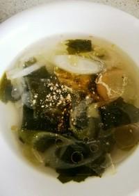 中華風ワカメと長ネギのスープ