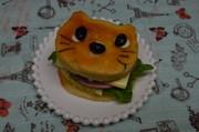 猫型でアーモンド・マフィン♪の写真