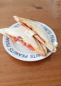 ホットサンド(ハムたまご・トマトチーズ)