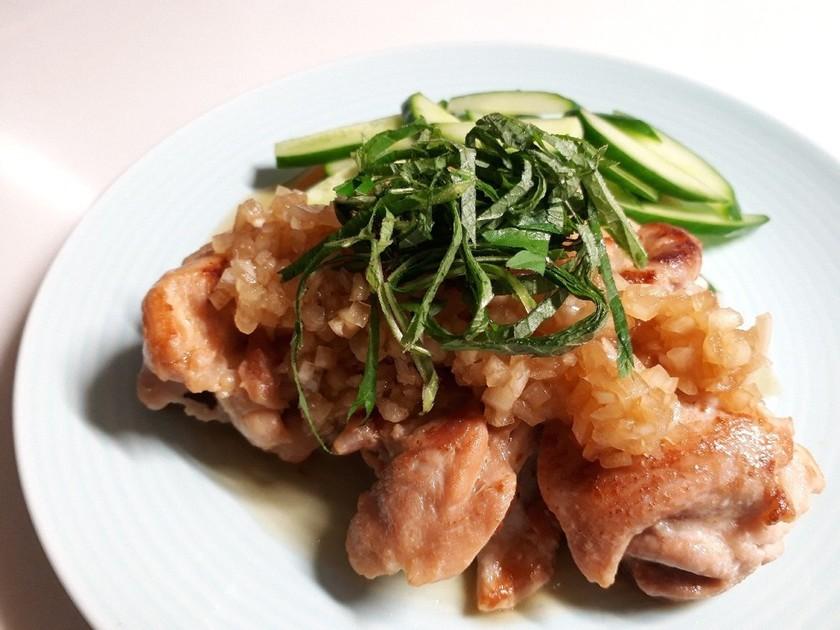 エスニック風☆鶏もも肉の玉ねぎ甘酢タレ