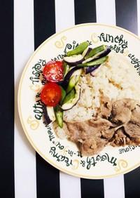 炊飯器で炊き込みご飯とおかず 豚肉ライス