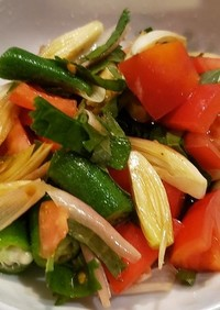 トマトとオクラとみょうがのサラダ