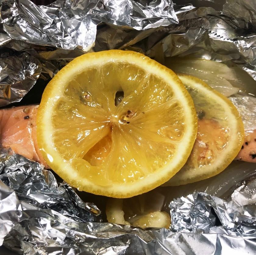 鮭のレモンバター◎トースターでホイル焼き