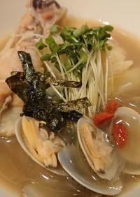 アサリと手羽元の無国籍スープ