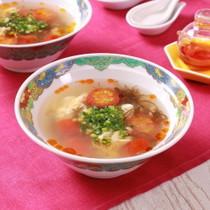 ミニトマトの旨味たっぷり!もずく酸辣湯