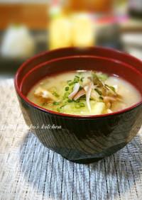 茄子 油揚げ 豆腐 の味噌汁
