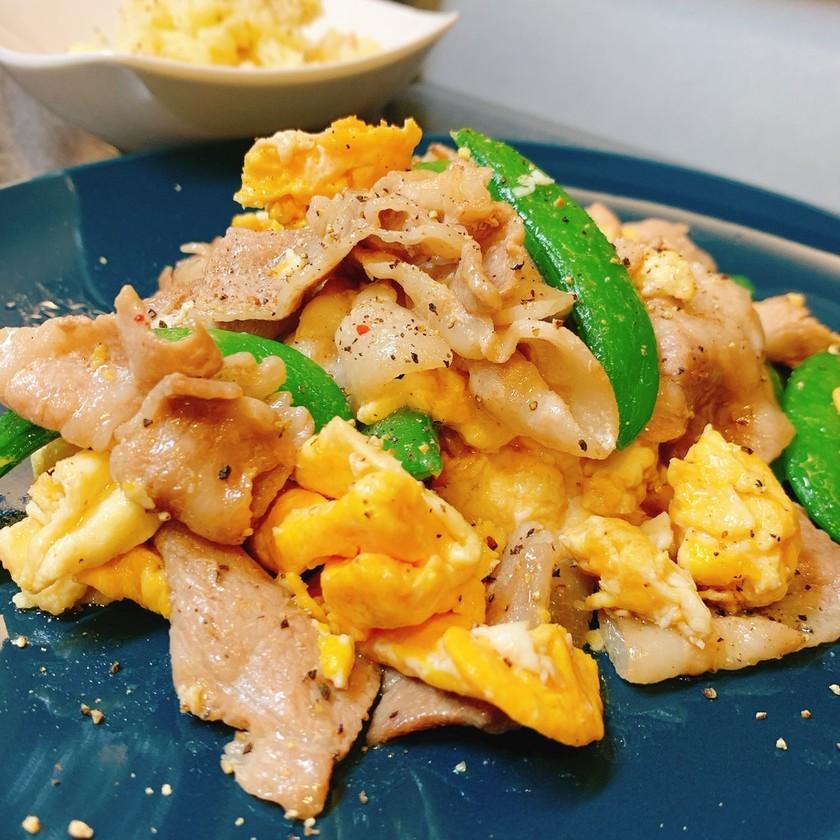 スナップエンドウと卵のオイマヨ豚肉炒め