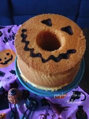 ハロウィンにかぼちゃの酵母シフォンケーキの写真