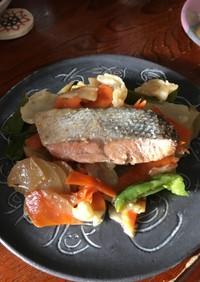 超簡単!鮭と野菜の味噌蒸し焼き❣️