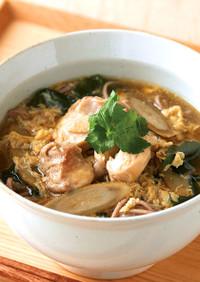 たまごスープで作る鶏肉の親子蕎麦