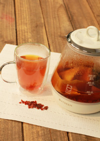 【秋の薬膳茶】ローズヒップと梨皮の紅茶