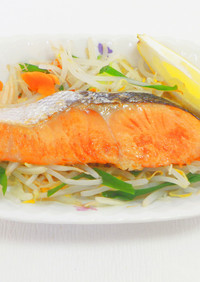 焼き鮭と野菜のレンジ蒸し