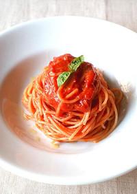 簡単♪ピリ辛ガーリックトマトパスタ