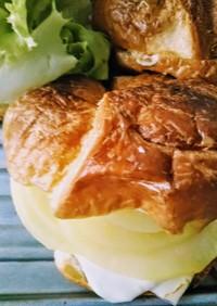 りんごとチーズのクロワッサンサンド♡