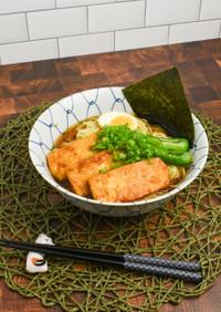 ベジタリアン醤油ラーメン豆腐ステーキのせ