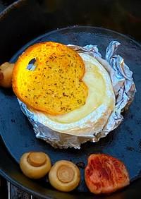 丸ごとカマンベールのチーズフォンデュ