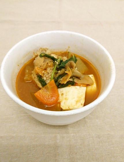 ピリ辛☆鶏手羽元と冬瓜のキムチスープ