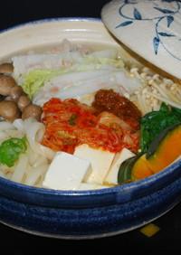 豚バラ肉と野菜のしょうが味噌キムチ鍋♪