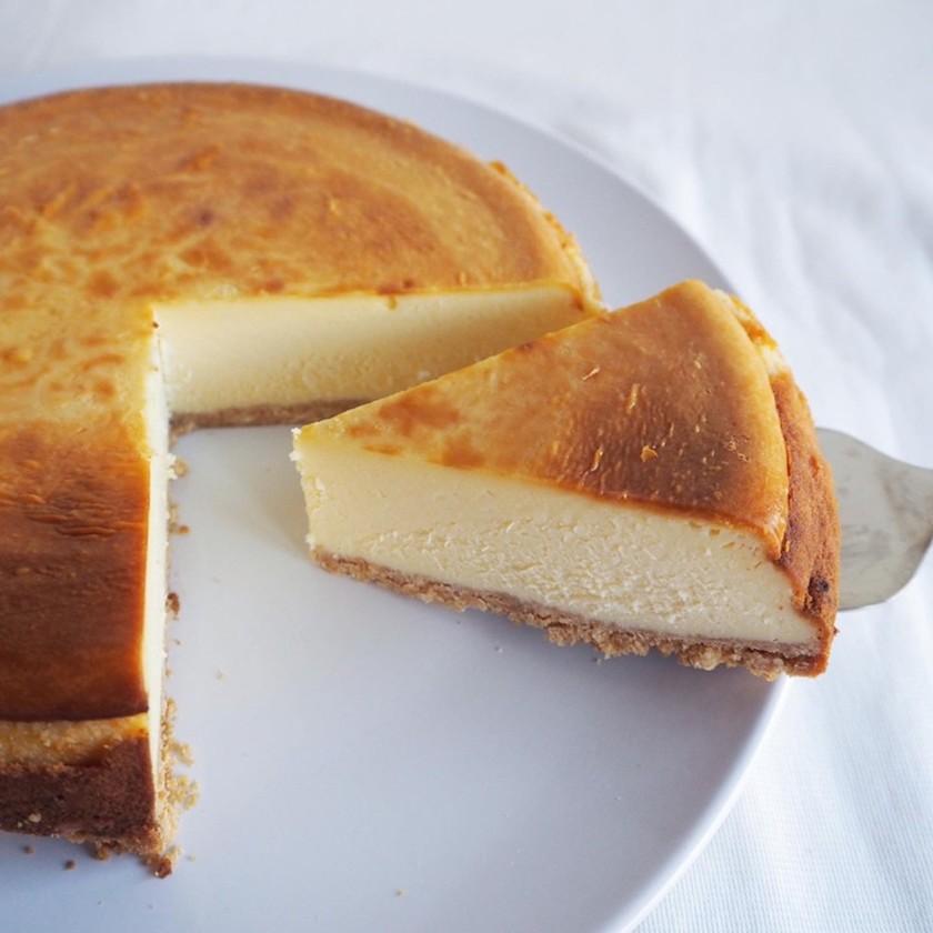 固めの食感・濃厚-ベイクドチーズケーキ