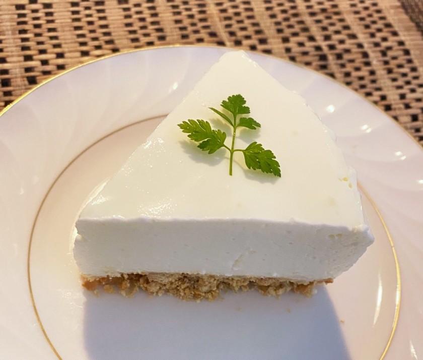誰でも簡単♪レアチーズケーキ