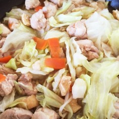 キャベツと鶏肉の煮物