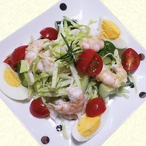 えびと野菜の彩りデリ風サラダ