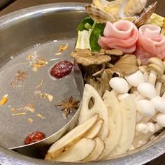 冬鍋に!薬膳レストランの黒ごま豆乳薬膳鍋