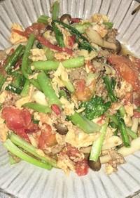 挽き肉と卵とトマトのオイスターソース炒め