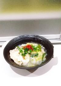 豚肉とレタスの白滝鍋