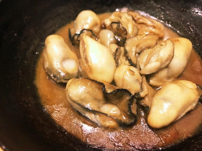 牡蠣のバター醤油鉄板焼き