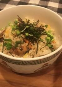 さんまの味噌煮缶と塩昆布の炊き込みご飯